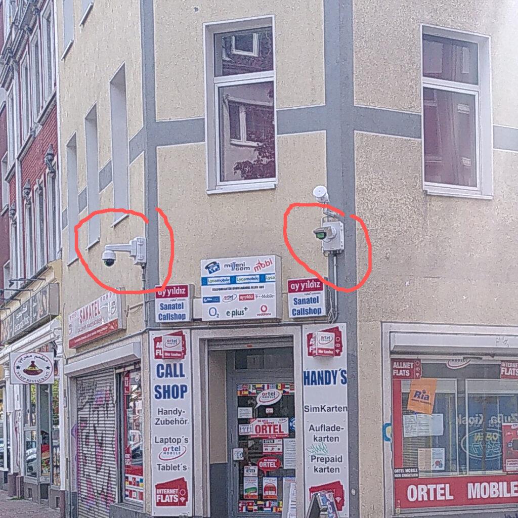 Zwei Kameras am Kiosk Ecke Heckenstraße